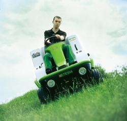 草坪割草机